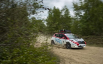 Nissan Leaf Rally 15