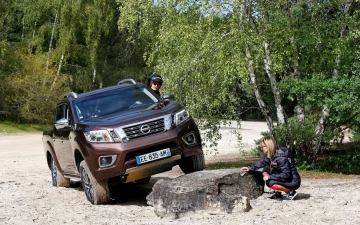 Nissan Navara heads rebell rally 10