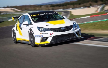 Opel Astra TCR 13