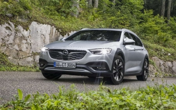 Opel Insignia Country Tourer 01