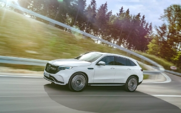 Mercedes-Benz EQC 400 4MATIC_04