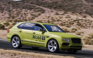 Bentley Bentayga Pikes Peak 14