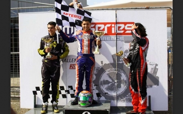 X30SJUNIOR-Podium-07