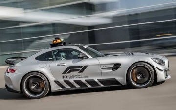 Mercedes F1 safety car 11