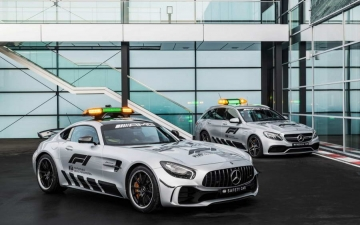 Mercedes F1 safety car 17