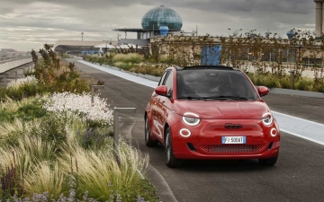 02_New Fiat 500 (RED)