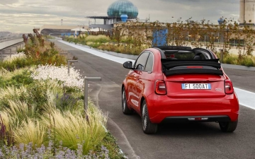 03_New Fiat 500 (RED)