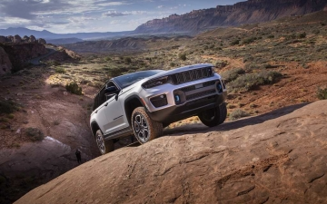 4_All-new 2022 Jeep® Grand Cherokee Trailhawk 4xe