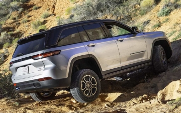 7_All-new 2022 Jeep® Grand Cherokee Trailhawk 4xe