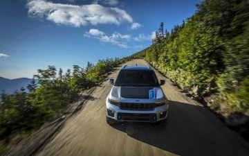 9_All-new 2022 Jeep® Grand Cherokee Trailhawk 4xe