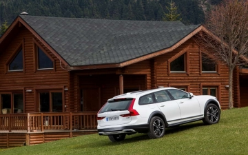 V90 CROSS COUNTRY 12