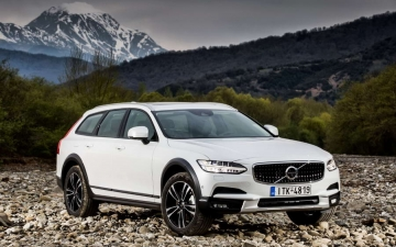 V90 CROSS COUNTRY 17