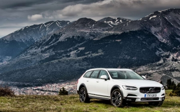V90 CROSS COUNTRY 19