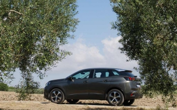 odigoume peugeot 3008 1 5 bluehdi 131 ps 051119