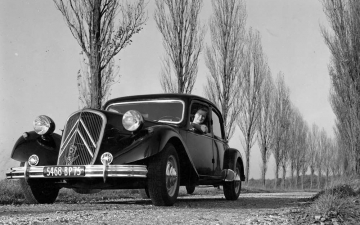Citroën Traction Avant 15-6 H 1954- 07