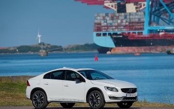 VOLVO S60 CROSS COUNTRY 1