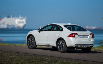 VOLVO S60 CROSS COUNTRY 6