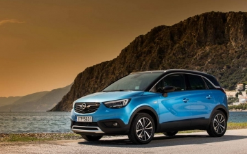 Opel Crossland X sales 13