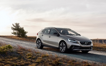 NEO VOLVO V40 CROSS COUNTRY MY17_1