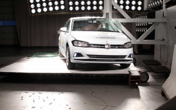VW Polo crash test 13