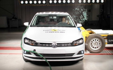 VW Polo crash test 15