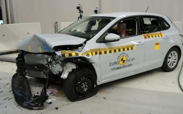 VW Polo crash test 19