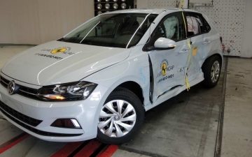 VW Polo crash test 20