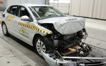 VW Polo crash test 21