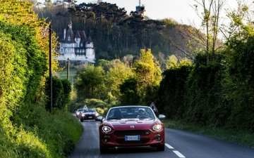 Fiat 124 Spider sweeps France 12
