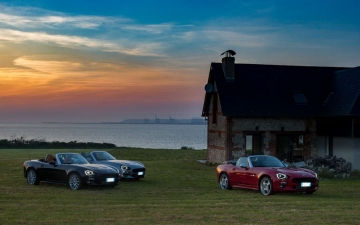 Fiat 124 Spider sweeps France 13