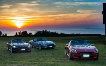 Fiat 124 Spider sweeps France 18