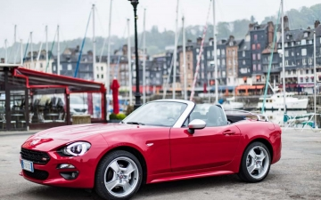 Fiat 124 Spider sweeps France 20