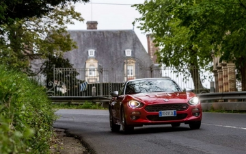Fiat 124 Spider sweeps France 22