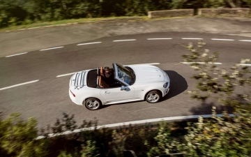 Fiat 124 Spider sweeps France 24