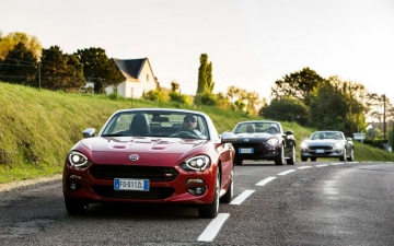 Fiat 124 Spider sweeps France 25