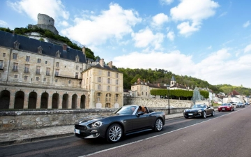 Fiat 124 Spider sweeps France 27