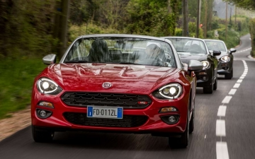 Fiat 124 Spider sweeps France 29