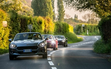 Fiat 124 Spider sweeps France 30