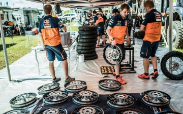 Mechanics Red Bull KTM Factory Racing Bivouac Dakar 2017  24 24