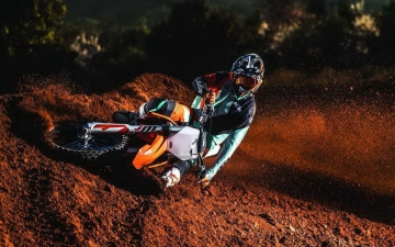 KTM 250 SX-F MY2019_Action 01