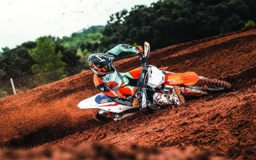 KTM 450 SX-F MY2019_Action 02
