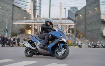 KYMCO Xciting-S 400i 11